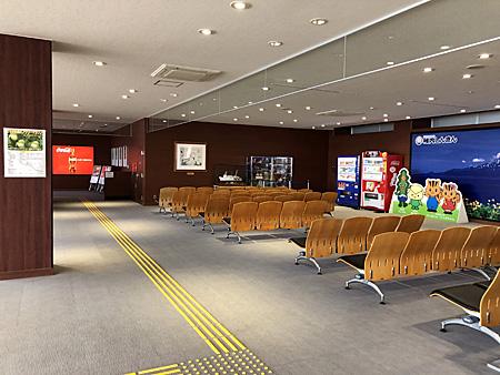 フェリーターミナル2階の待合室