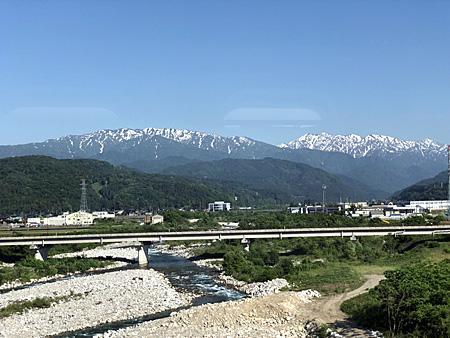 残雪の立山連峰