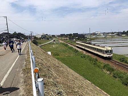 電車とランナー