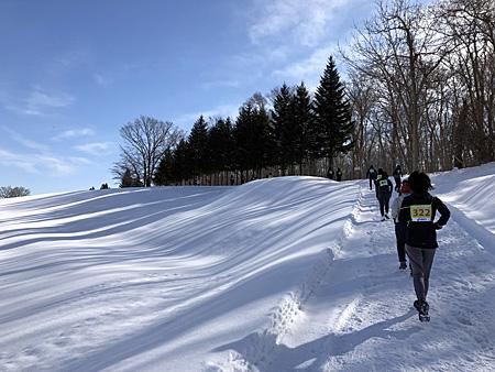 雪原と上り坂