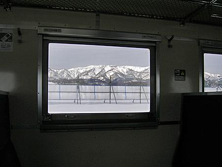 窓の外の雪景色