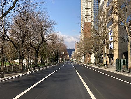 きれいに舗装された道路