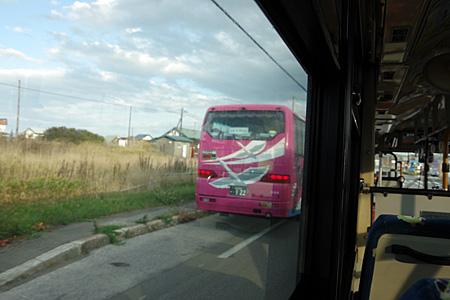 大型バスの後部