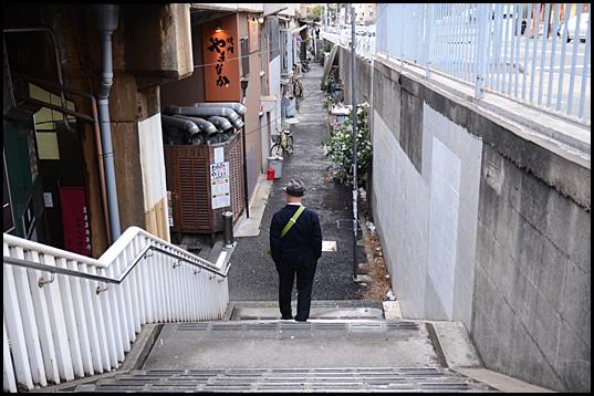元町高架通商店街02