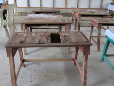 desks in Ipil