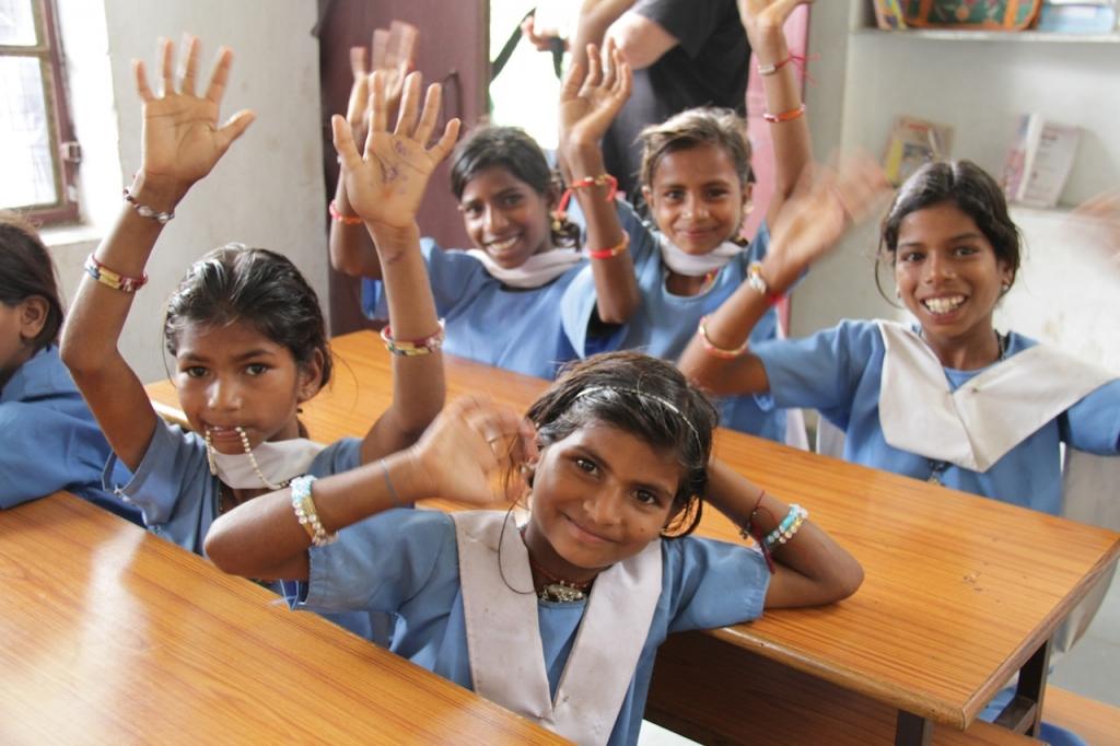 インド女の子と教室