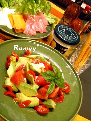 アボカドとトマトのレモンサラダ
