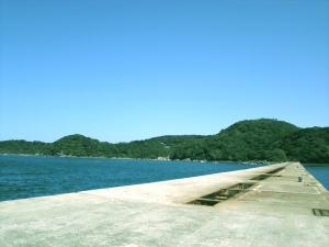 青い空と海。気持ちいい天気の中で