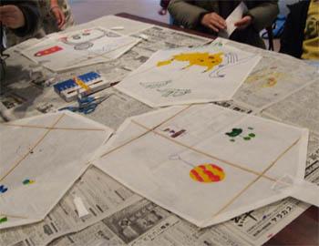 凧作り教室の風景