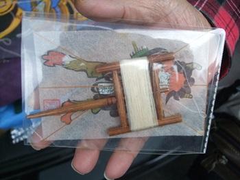 ミニ凧とミニ糸巻き