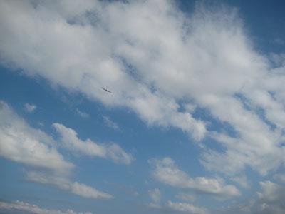 雲とグライダー