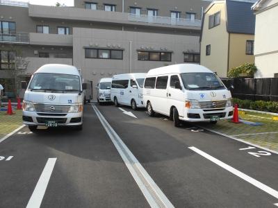 新病院へ集結した搬送車(先頭車)