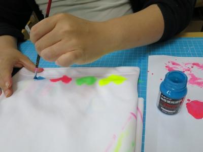 衣類 水性 油性 塗料 布に 塗る 検証 準備 油性 塗料