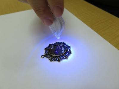 レジンアクセサリー手順 � UV硬化