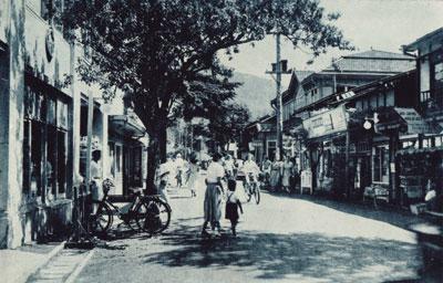 1947年の旧軽井沢メインストリート