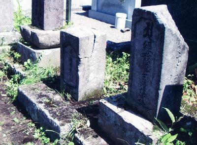 お菊の墓1-外人墓地