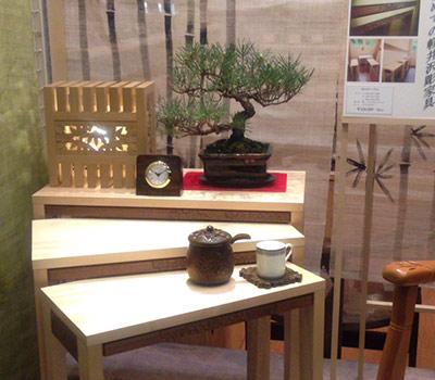 軽井沢彫りシバザキのショーウィンドウ