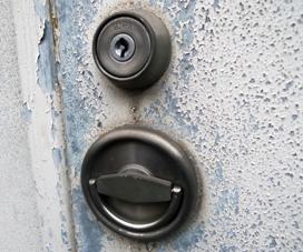 品川区で倉庫の鍵修理