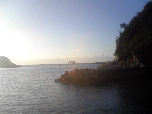 温泉津港に停泊する「にっぽん丸」 その1