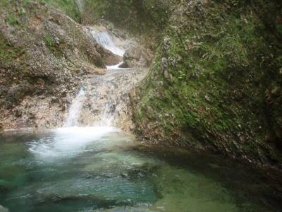 釜を持った小滝