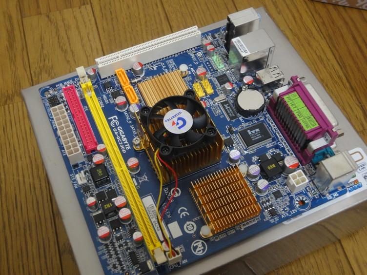 Gigabyte GA-GC230Dボード