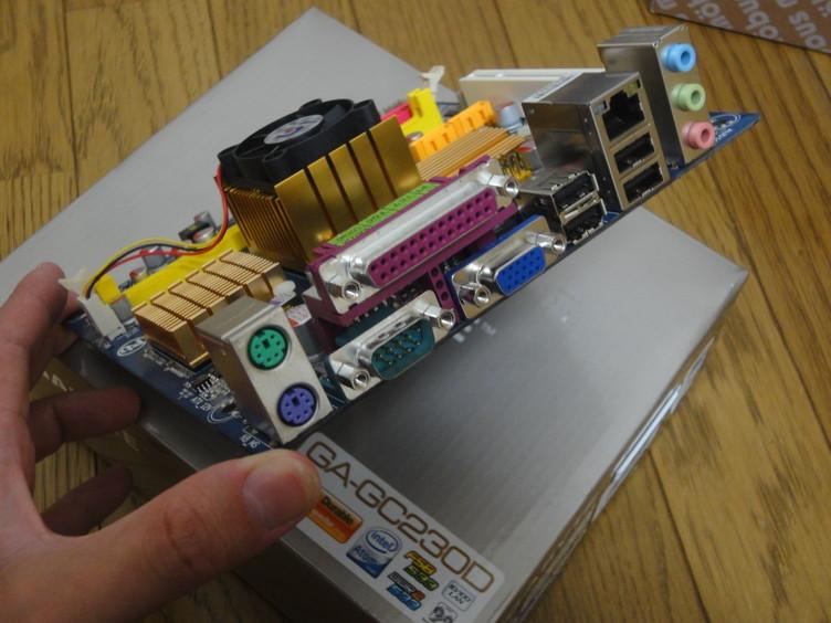 Gigabyte GA-GC230Dインターフェース