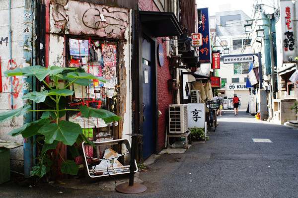 160626 あの扉(1) 東京都中野区中野 Sony NEX5R Minolta AF20/2.8