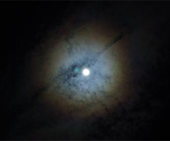 moon_2.jpg