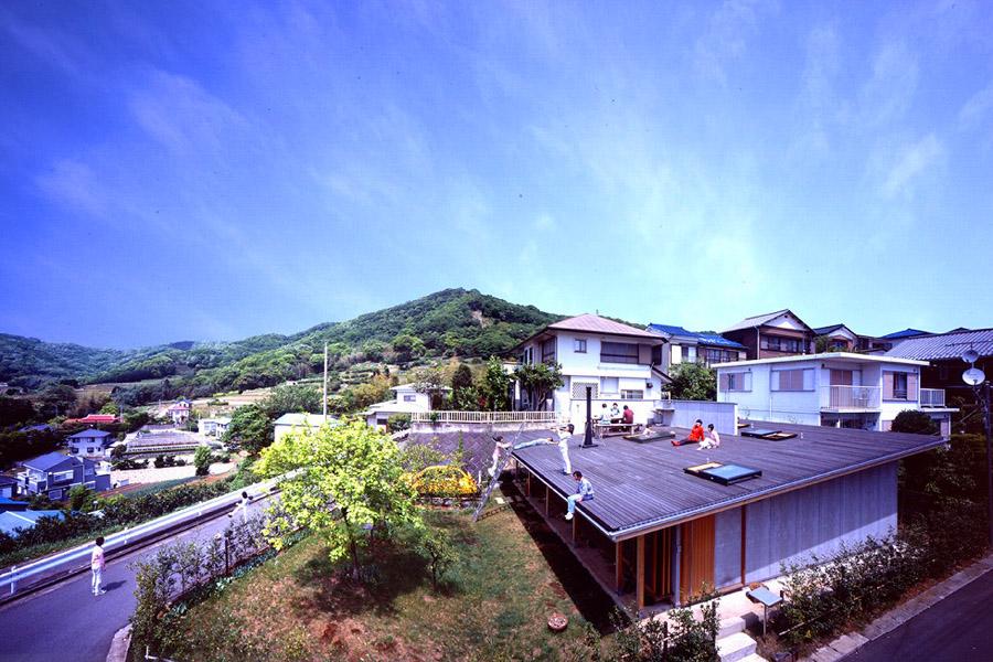 屋根の家-02.jpg