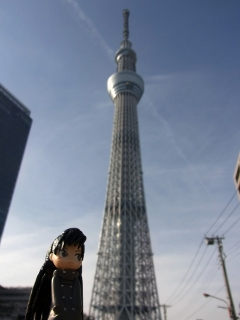 東京スカイツリーを眺める麻美様