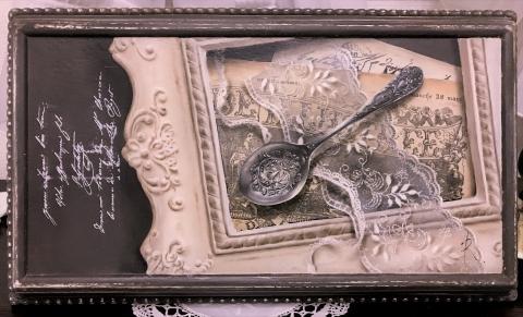 Antipue Spoon(ip).jpg