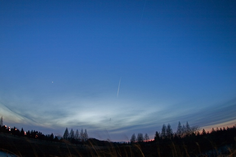 金星と飛行機雲