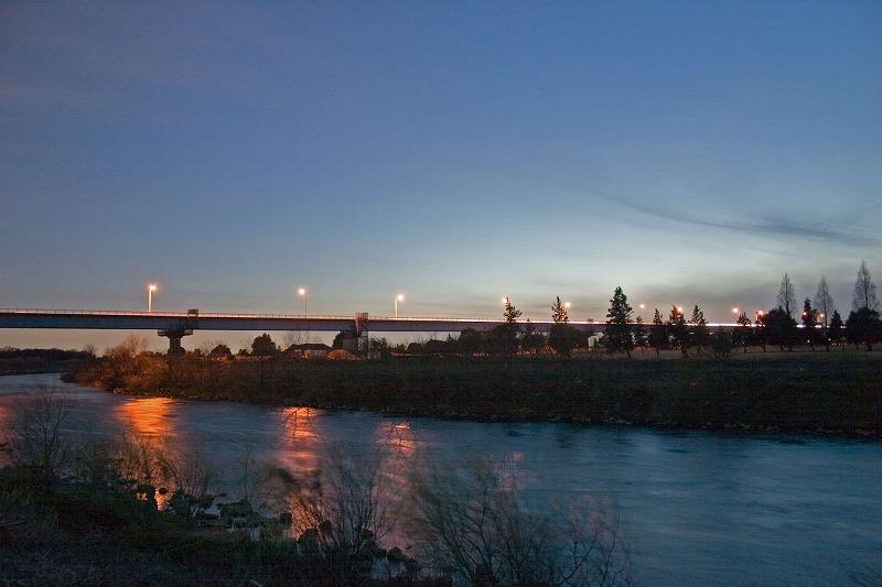 荒川の夕暮れ