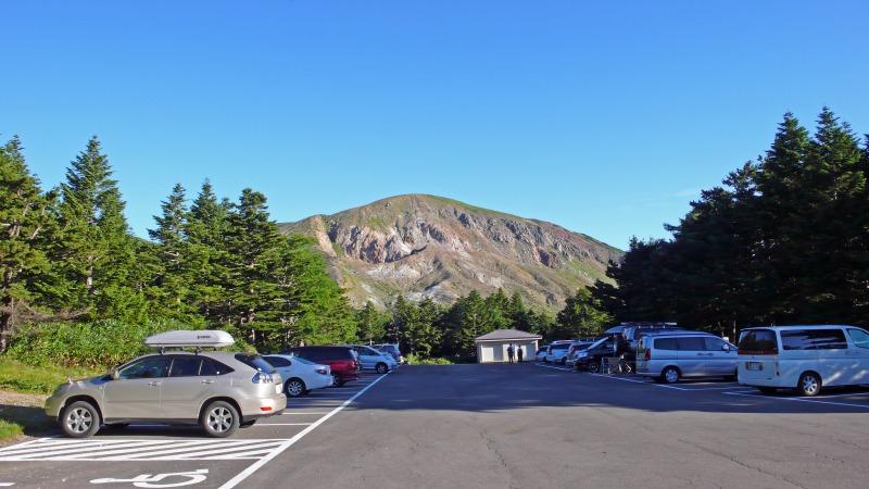 兎平駐車場と一切経山