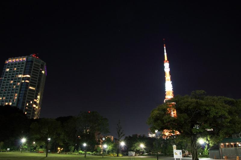 色が戻った東京タワー