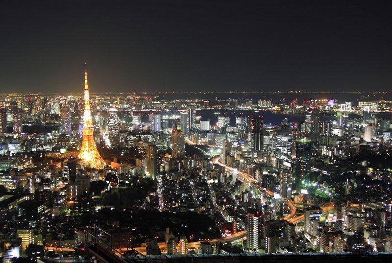 六本木ヒルズから見た東京タワー付近の夜景