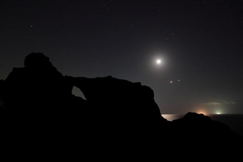 越前海岸と月・金星・木星2