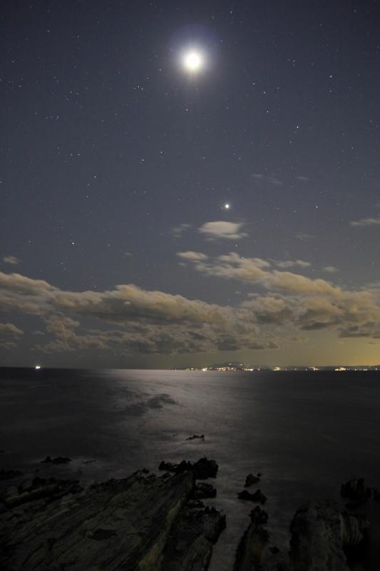 月光の相模湾