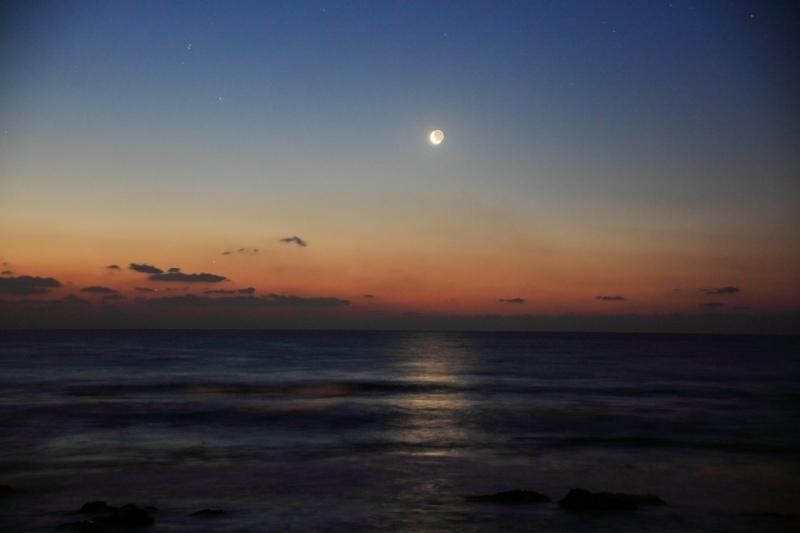 朝焼けと三日月・水星・木星