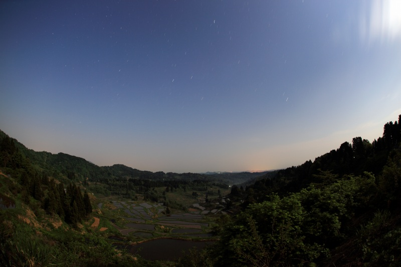 星峠の棚田と夏の大三角・5分露出
