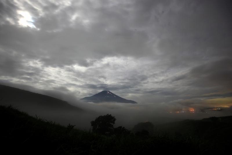 月光と富士山2