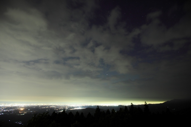 木星と夜景