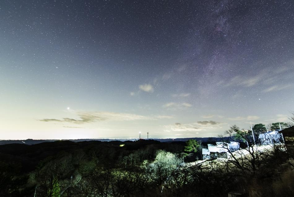宵の明星と沈む白鳥座