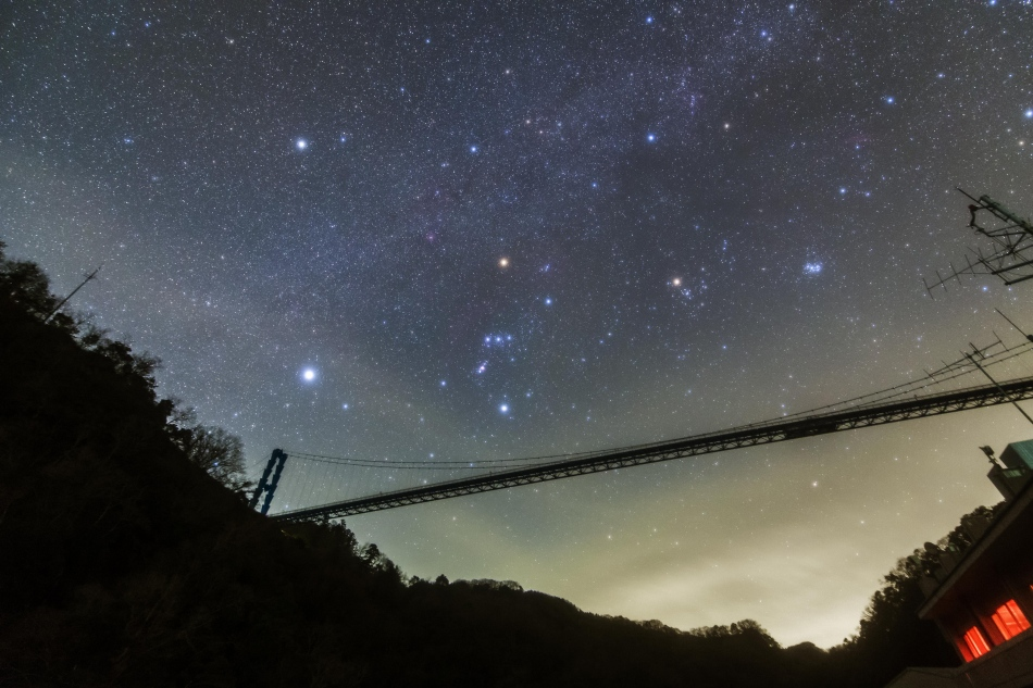竜神大吊橋と冬の星座