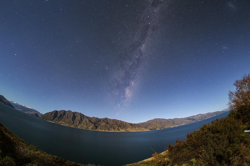 LAKE HAWEAと月夜の天の川