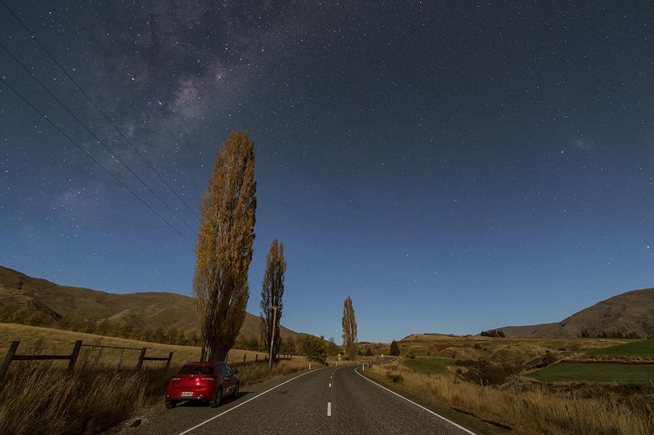 ニュージーランド月明かりの道と天の川