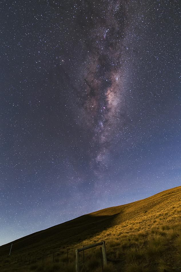 ニュージーランド月明かりの影と天の川