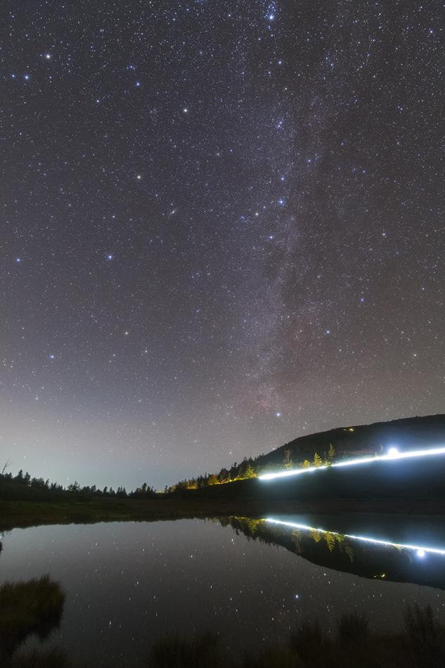 草津白根山・弓池と秋の星