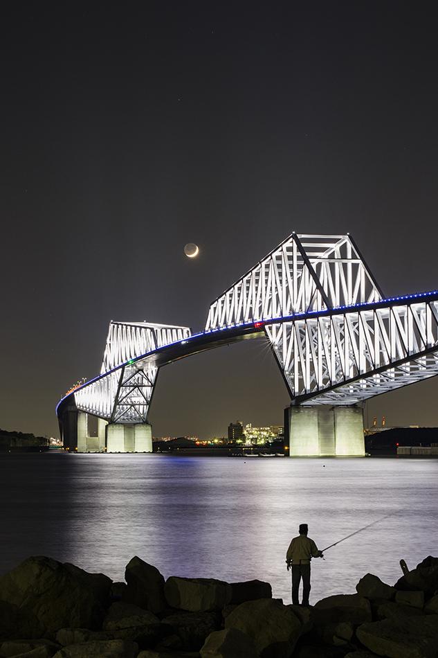 東京ゲートブリッジと月