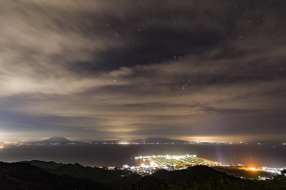 JX喜入石油基地と雲間の昴